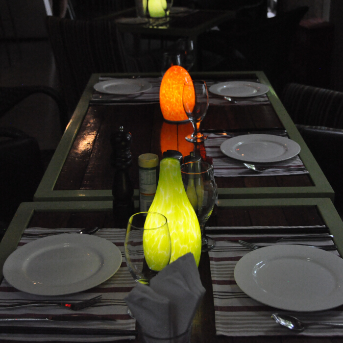 Cordless bottle shape table lamp(Green)