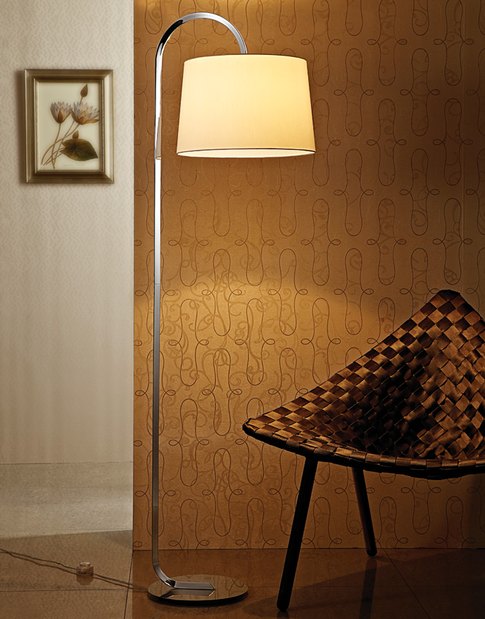 Electric Power Source European Style Fabric Shade Hotel Floor Lamp