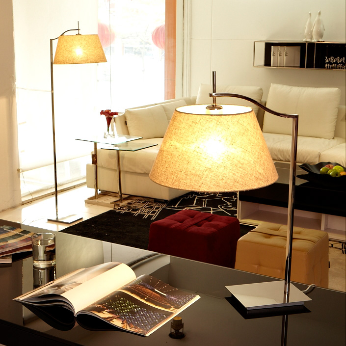 CE Approved Fluorescent Light Source power outlet hotel table lamp